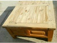 Oak coffee table with 4 draws