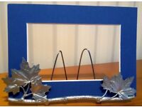 AMOS PEWTER MAPLE LEAF PICTURE HOLDER