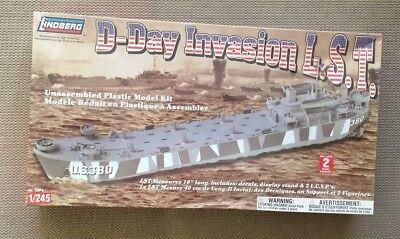 VINTAGE LINDBERG D-DAY INVASION WW2 L.S.T. SHIP US NAVY LANDING SHIP TANK MODEL