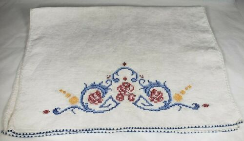 Vintage Linen Guest/Show Towel  Hand Embroidered