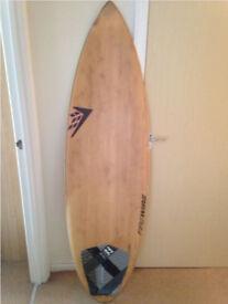 """Surfboard Firewire Dominator 5'8"""" Volume : 31 Litres."""