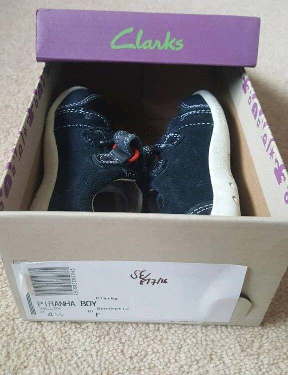 Boys size 4.5F shoes