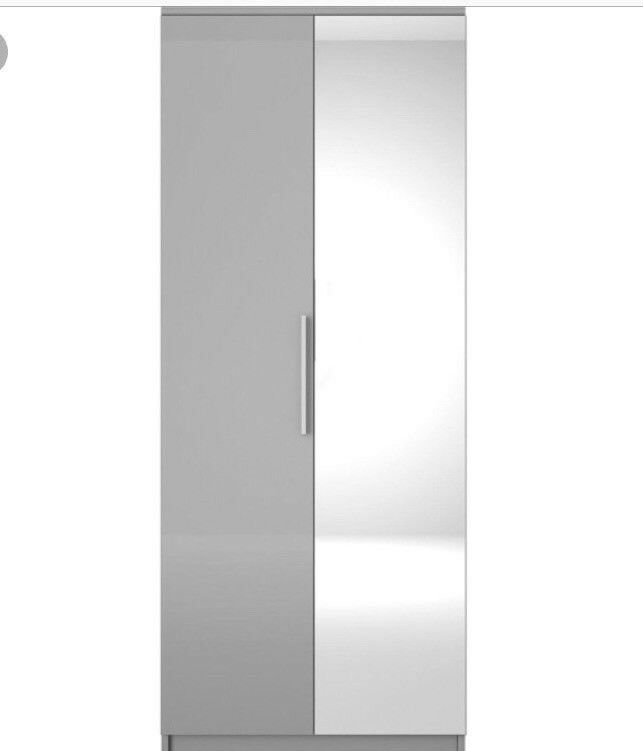 Prague Gloss 2-Door Mirrored Wardrobe (Brand New Flat pack)