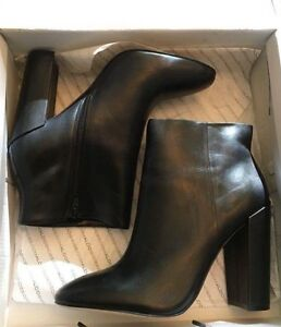 Black leather ankle boots/booties Gatineau Ottawa / Gatineau Area image 1