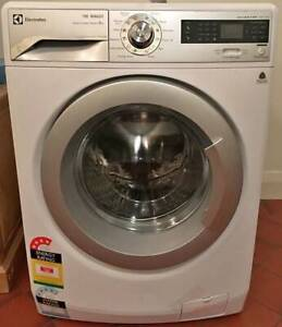 Free delivery  Electrolux Time Manager 8kg front washer machine
