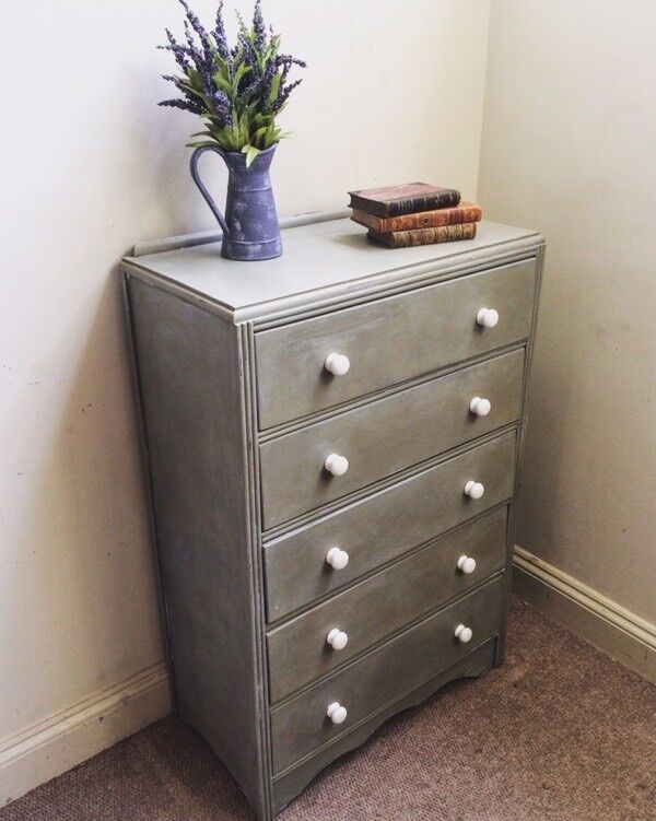 Shabby chic Château grey chest of drawers