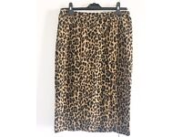 Ladies Leopard Print 3 quarter length skirt (size 12)