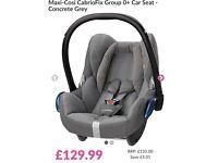 Maxi cosi cabrioFix in grey cement ( 2015 model ) birth onwards + Quinny stroller adapters