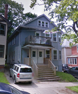 May 1st beautiful 4 bedroom flat block from Dal/kings college