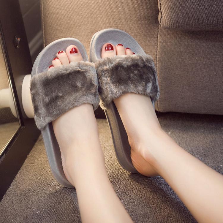 Womens Slip On Sliders Fluffy Faux Fur Flat Plush Slipper Flip Flop Sandal