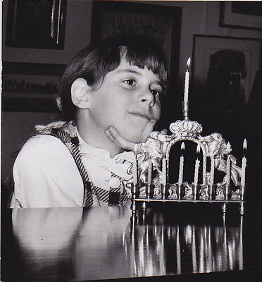 (JEWISH GIRL AND MENORAH by Murray Belsky  * ICONIC CLASSIC c.1950s VINTAGE photo)