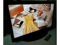 """SENSE 42"""" LCD TV FULL HD BUILT IN FREEVIEW EXCELLENT CONDITION REMOTE CONTROL HDMI FULLY WORKING"""