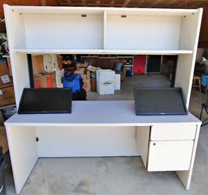 Multiple pieces of furniture
