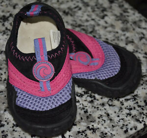 Girls Water Shoes Size 5