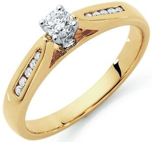 Michael Hill Engagement Ring w/1/4 Carat TW Diamonds in 10k Gold