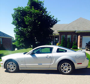 2005 Ford Mustang GT Coupe GREAT CONDITION