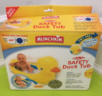 Munchkin safety duck tub, 2 available