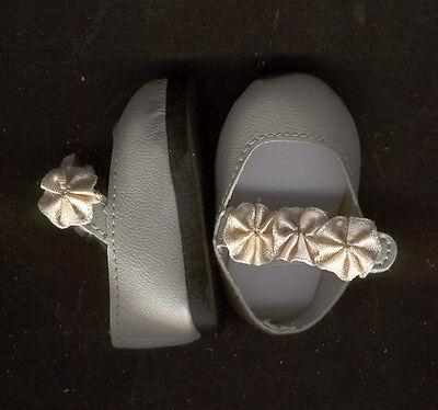 Puppenschuhe Halbschuhe grau mit Klettverschluß, Sohlenlänge ca. 6 cm Kunstleder