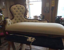 Beige chenille chaise longue