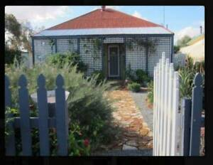 Partly furnished cottage house - THREE SPRINGS