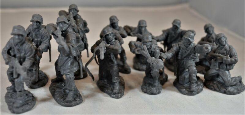 Toy Soldiers of San Diego TSSD WWII German Elite Troops Set 11A Dark Gray