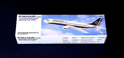 Ryanair Airlines Boeing B737 800 Collectable Scale Model 1 200 Type  1