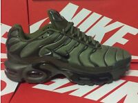 Brand new Karki green Nike tns size 8