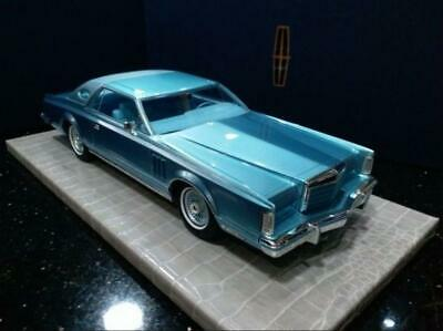 1/18 model car Lincoln Continental Mark V  Blue  Brand New FedEx