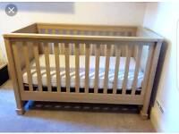Cot bed ( Mamas and Papas)
