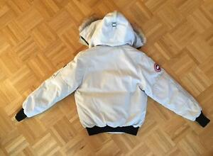CANADA GOOSE - OFF WHITE - MEDIUM- PRICE HAS BEEN LOWERED! West Island Greater Montréal image 3