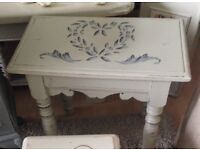 Coffee table / stool