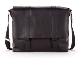Kenneth Cole Reaction - Black Leather - Messenger Bag - Good Mess Gracious - PERFECT CONDITION