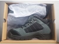 Size 8 Safety Boots Brand New and Boxed