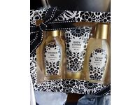 10 CHRISTMAS BODY LOTION GIFT SET