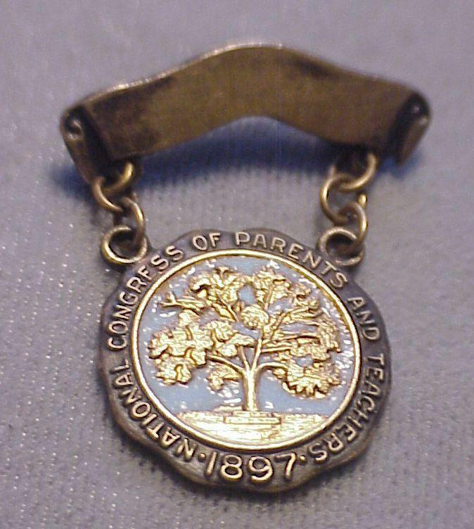 VINTAGE NATIONAL CONGRESS OF PARENTS AND TEACHERS 1897 LBG 10K GOLD PIN AWARD