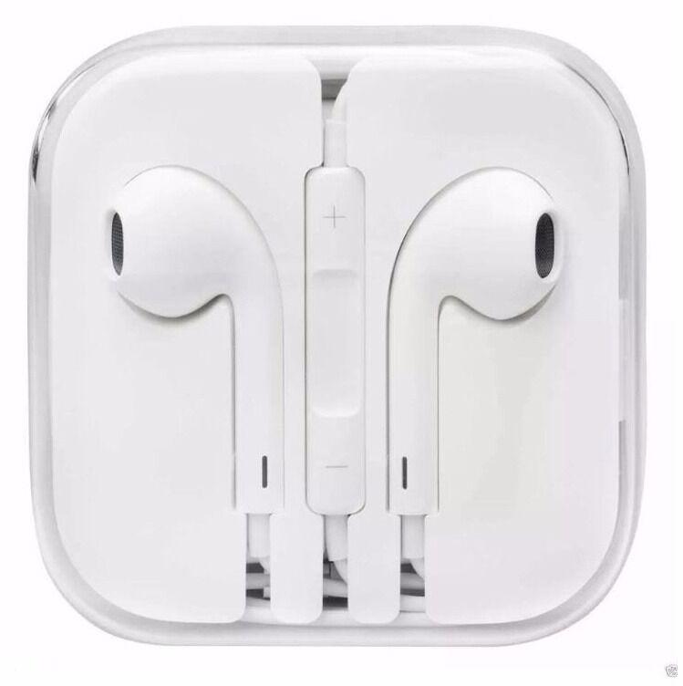 iPhone earphones / headphones