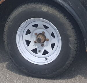 Wanted: 205/75/14 trailer tire and rim