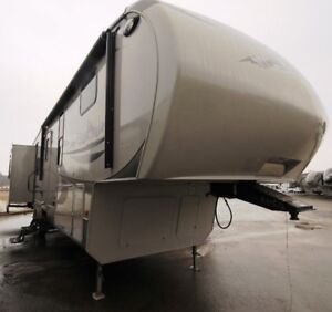 2011 Montana High Country 5th wheel RV