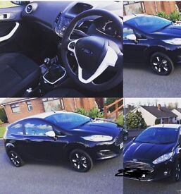 Ford fiesta black edition 1.25 2016 10700 miles (plus driving)