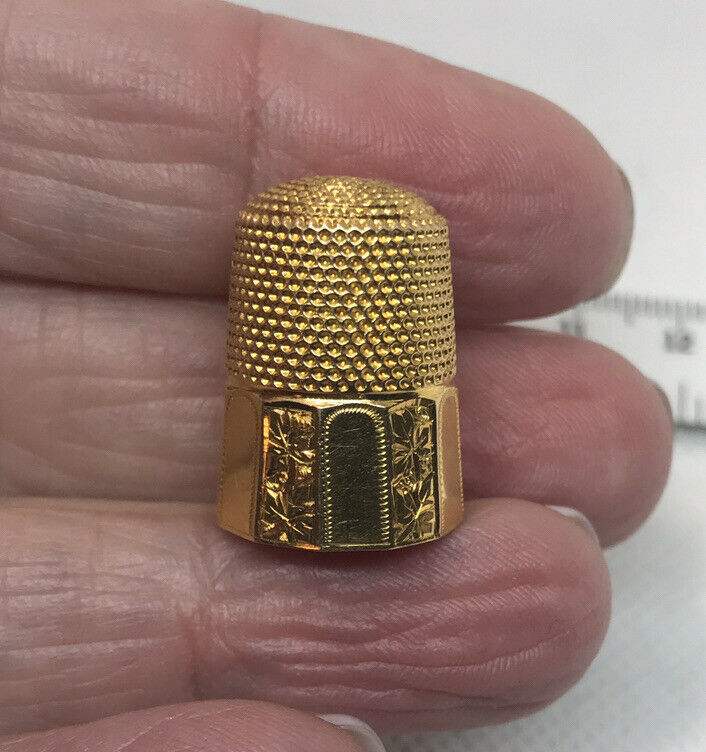 Estate Antique 14K YG Signed Thimble with Etched Maple Leaves-  8