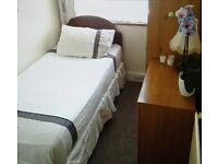 Single Room Bedroom to Rent Let in family home Mitcham South London, suits Mature Lady Non-Smoker
