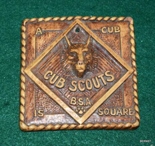VINTAGE BOY SCOUT - CUB SCOUT PLAQUE
