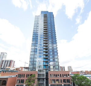Luxurious Penthouse Condo at The Ultima - City Views 30th Floor