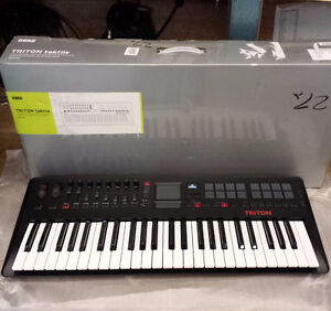 AMAZING_ keyboard _CONTROLLER - SYNTH - ALL_ in_ ONE