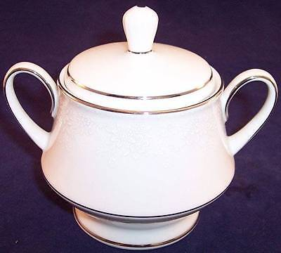 Noritake Contemporary Fine China Covered Sugar Bowl, Misty 2883 Fine China Covered Sugar Bowl