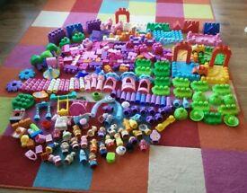 mega blocks bundle, loads of castle bits, animals and figures collect Stonehaven