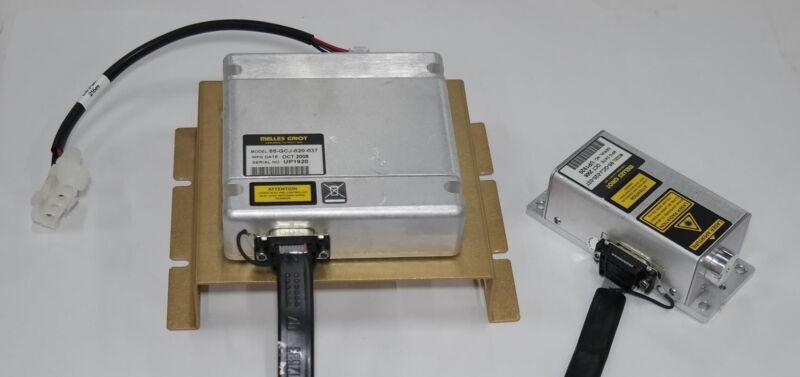 MELLES GRIOT 85-GCJ-020 20mW 532 nm DPSS COMPACT GREEN LASER+CONTROLLER