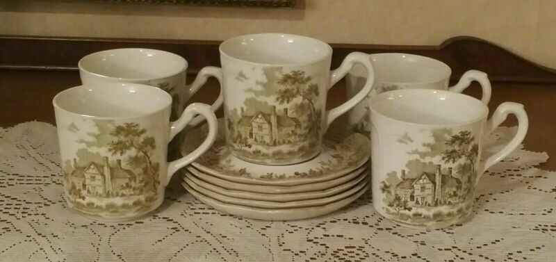ROMANTIC ENGLAND GREEN CUP AND SAUCER SET OF FIVE J & G MEAKIN