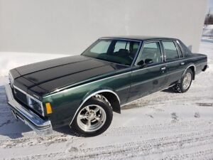 1979 Chevrolet Impala CLASSIC V8 5.0L /  IMPECABLE!! COMME NEUF!