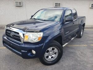2005 Toyota Tacoma V6 / 4x4 / 6 speed stick / TRD off road!!